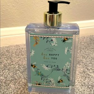 Scented hand soap. Honey and thyme